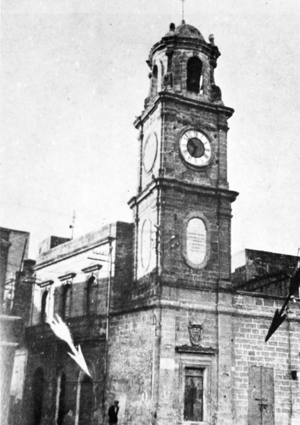 img675 - Piazza Sedile, Campanile dell'orologio pubblico
