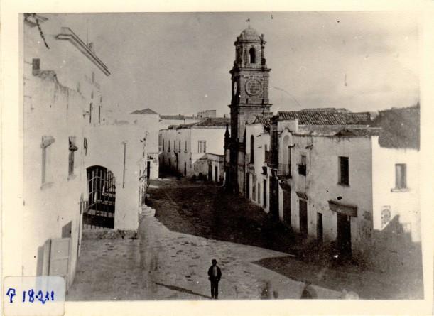 img678 - Piazza Sedile e Torre dell'orologio come erano nella seconda metà dell'800